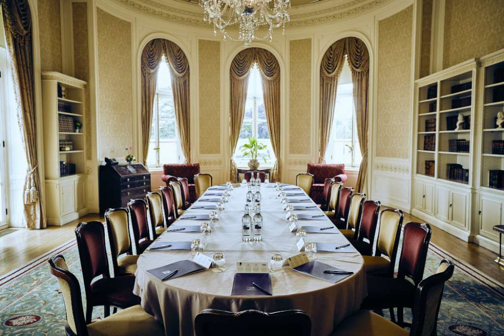 Luton Hoo Hotel Golf Amp Spa Serviced Apartment In The
