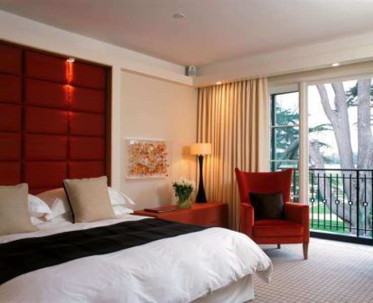West Wing Deluxe Room